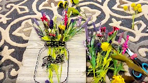 How To Make A Mason Jar String Art Vase | DIY Joy Projects and Crafts Ideas