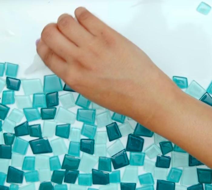 Make a mosaic serving tray