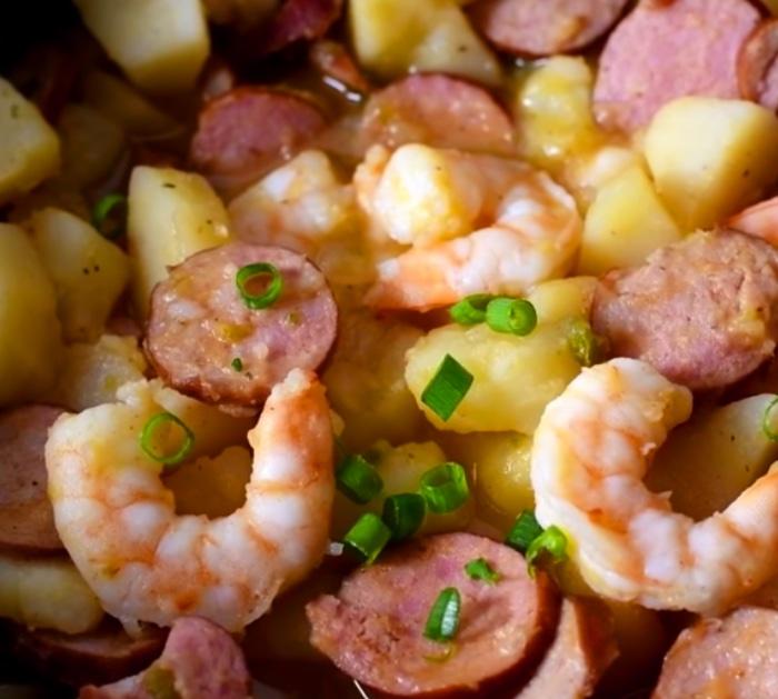 make crockpot smothered sausage, potato, and shrimp