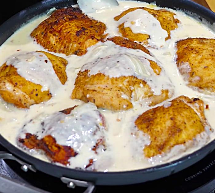 Louisiana cajun smothered chicken