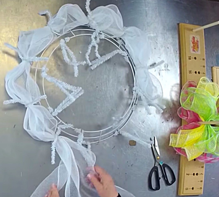 Make a Spring Wreath with pipe cleaners and mesh