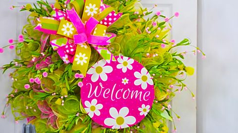 How To Make A Spring Welcome Wreath | DIY Joy Projects and Crafts Ideas