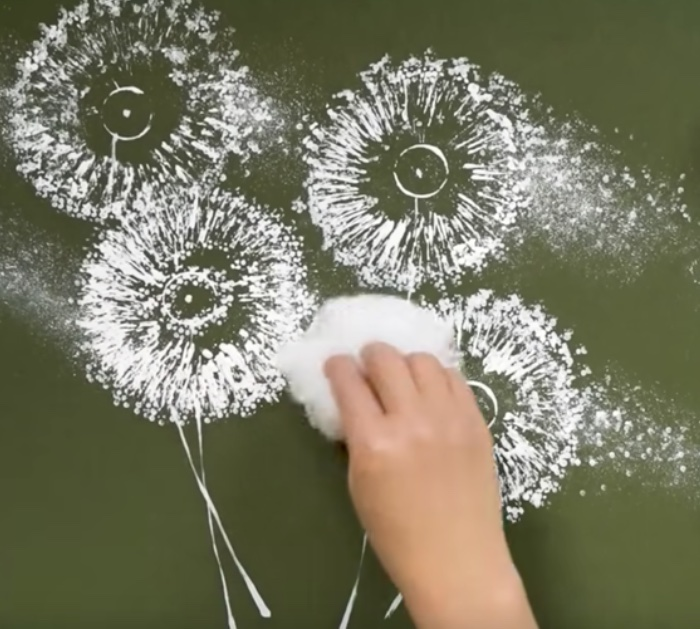 DIY Painting Ideas - Dandelion painting on poster board with toilet paper rolls - Cheap Kids Crafts