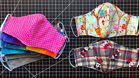 15-Minute Fabric Mask With A Free Pattern | DIY Joy Projects and Crafts Ideas