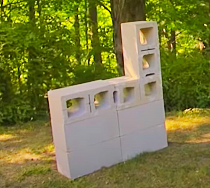 Cheap Outdoor Furniture and Decor to DIY - How to Make a cinder block bench