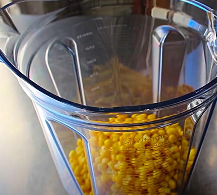 """Machen Sie einen Maisauflauf zum Abendessen """"width ="""" 700 """"height ="""" 629 """"data-pin-description ="""" Machen Sie einen Maisauflauf zum Abendessen """"srcset ="""" https://diyjoy.com/wp-content/uploads/2020/ 04 / corn-casserole-2.jpg 700w, https://diyjoy.com/wp-content/uploads/2020/04/corn-casserole-2-300x270.jpg 300w """"Größen ="""" (maximale Breite: 700px) 100vw, 700px """"/></a><div class='code-block code-block-2' style='margin: 8px 0; clear: both;'> <script async src="""