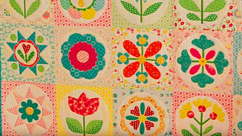 Granny's Garden Sew Along Quilt Tutorial   DIY Joy Projects and Crafts Ideas