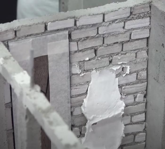 Make a mini house out of concrete
