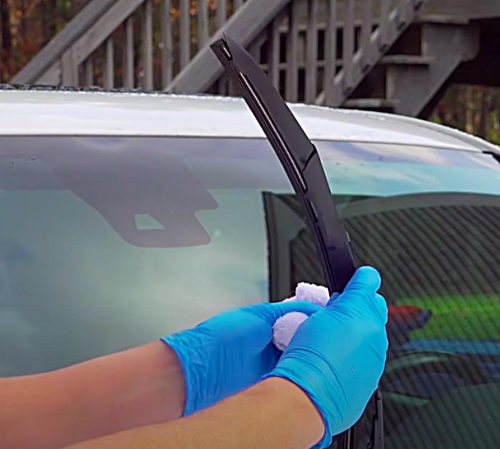 Use WD 40 to restore windshield wiper blades
