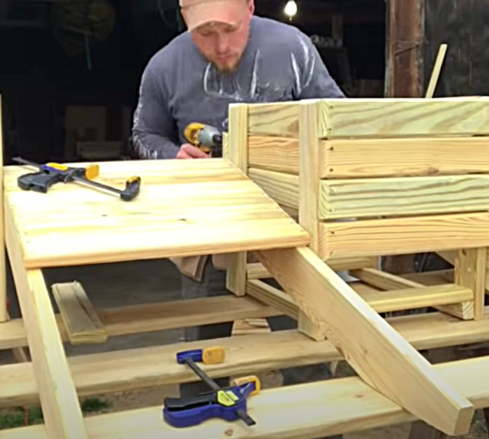 Make an Adirondack style bench with a built in cooler