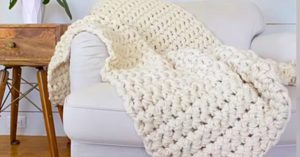 How To Finger Crochet A Blanket In An Hour