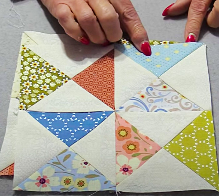 Easy to sew hourglass quilt block