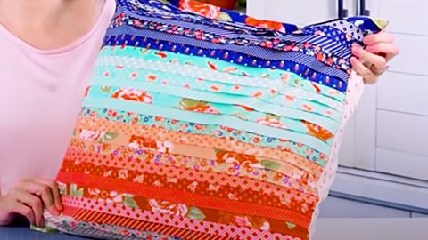 Faux Pleated Pillow Using A Jelly Roll   DIY Joy Projects and Crafts Ideas