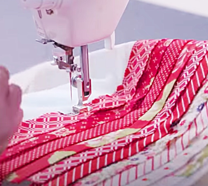 How to use a jelly roll to make a pillow