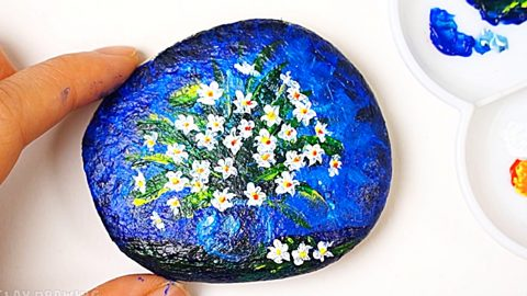 How To Paint Flowers On A Rock | DIY Joy Projects and Crafts Ideas
