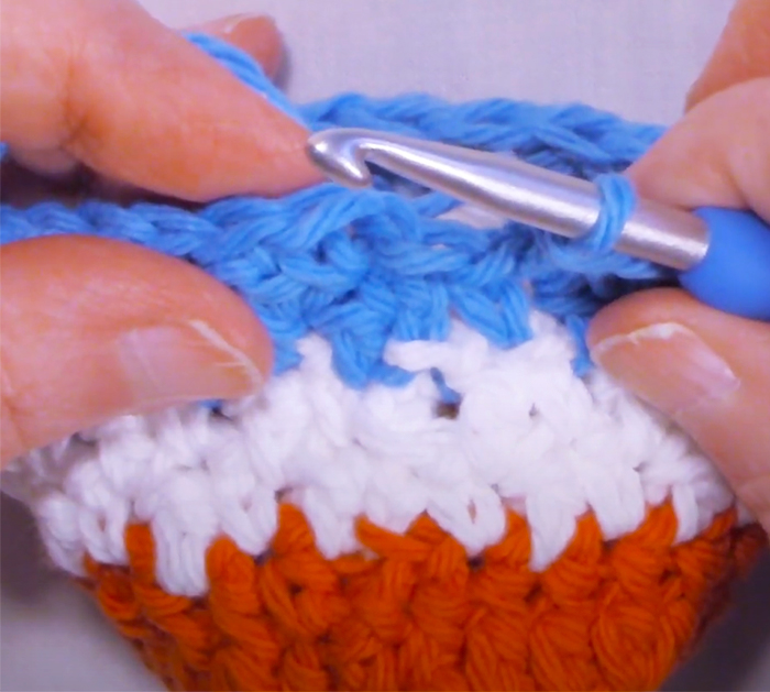 How To Make A Can Cozy | Crochet Crafts