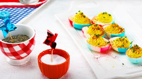 Red, White And Blue Deviled Eggs Recipe | DIY Joy Projects and Crafts Ideas