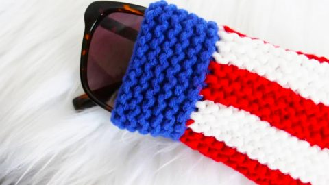 DIY Knit Fourth of July Sunglasses Pouch | DIY Joy Projects and Crafts Ideas