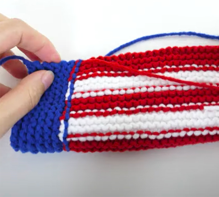 DIY Knit Fourth of July Sunglasses Pouch | DIY Knits