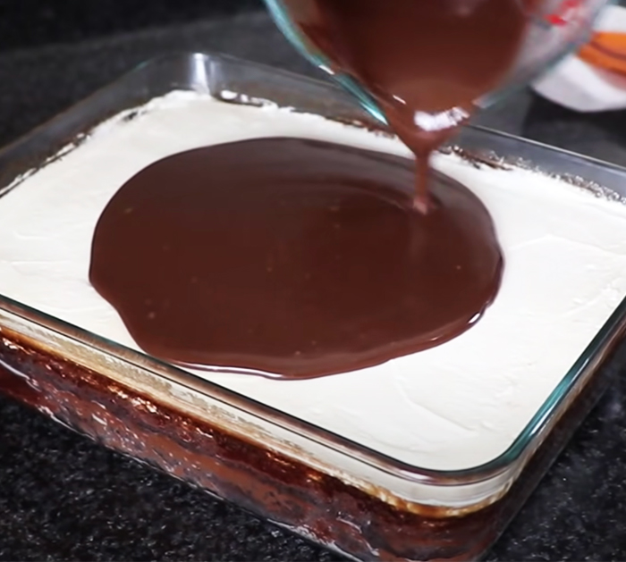 How To Make Chocolate Cake In The Microwave   Homemade Recipes