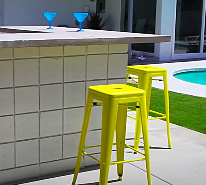 Make An Outdoor Bar Area With Cinder Blocks
