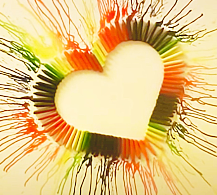 Use the heat from a hairdryer to make easy crayon heart art