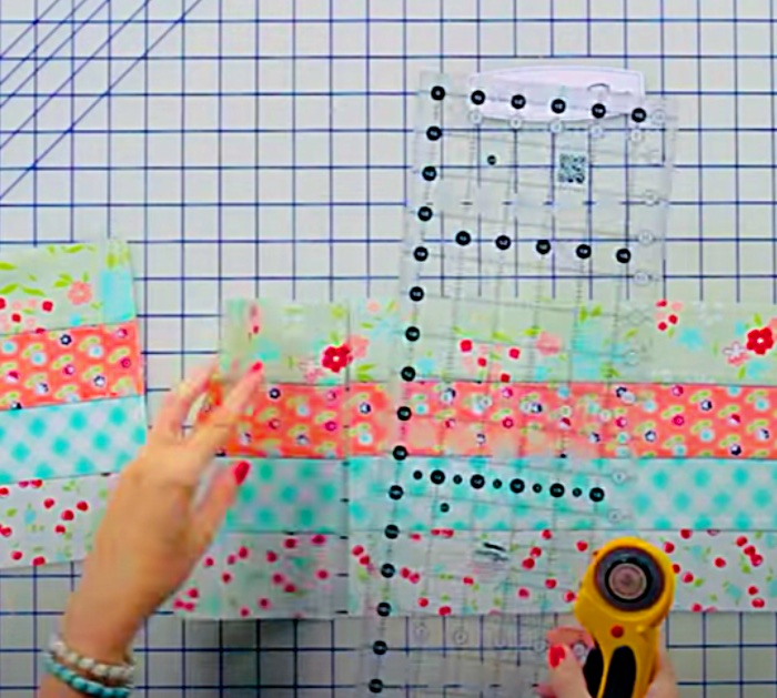 How Slice Jelly Roll Panels For A Simple Quilt Idea