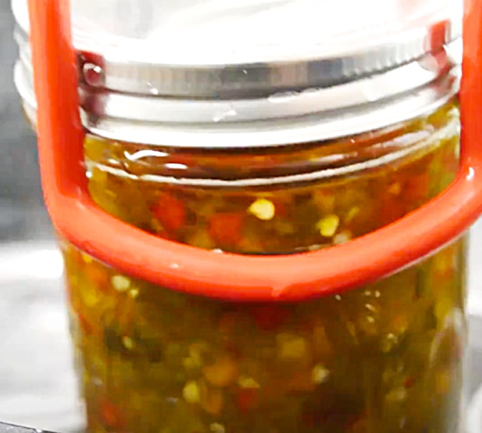Use A Canning Bath To Seal The Mason Jars For Hot Pepper Jelly