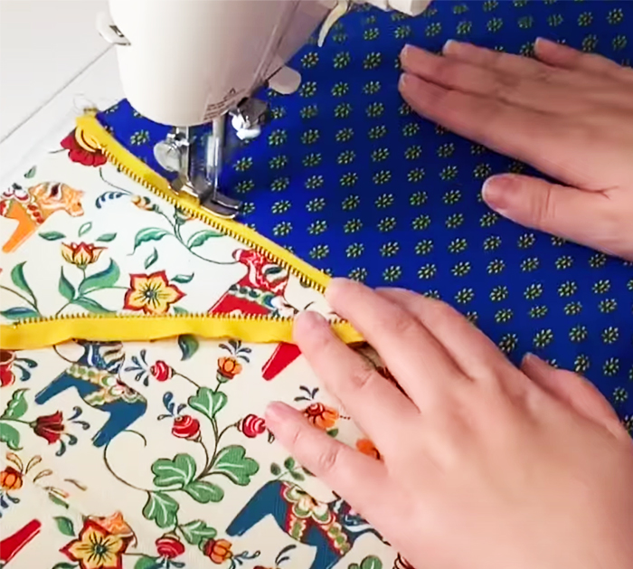 How To Sew A Zipper Box Pouch | DIY Sewing