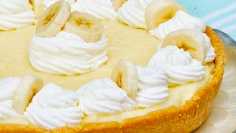 No-Bake Banana Creme Pie Recipe | DIY Joy Projects and Crafts Ideas