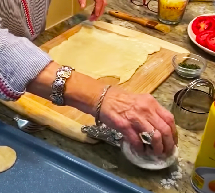 Paula Deen's Tomato Tarts Appetizer Recipe | Homemade Recipes