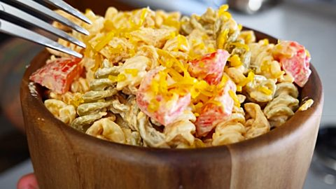 Cajun Ranch and Bacon Pasta Salad Recipe | DIY Joy Projects and Crafts Ideas