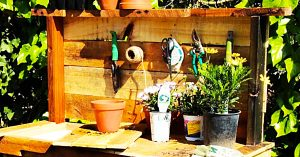 How To Make A Rustic Potting Bench From Old Pallets With Free Plans