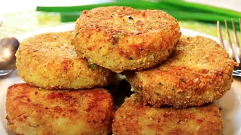 Fried Mashed Potato Cakes Recipe | DIY Joy Projects and Crafts Ideas