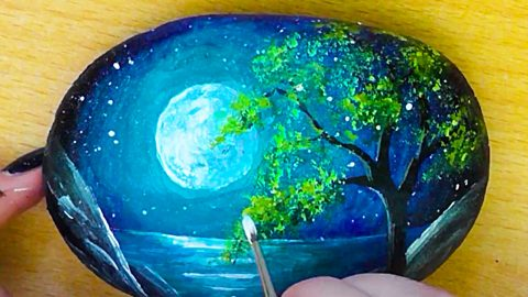 How To Paint A Night Sky Landscape On A Rock | DIY Joy Projects and Crafts Ideas