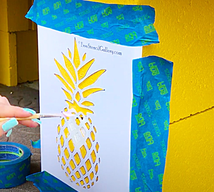 Use Pineapple Stencils On A DIY Outdoor Bench With Cinder Blocks