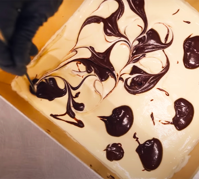 Use Brownie Batter And Swirl On Top Cheesecake - Simple Brownie Recipes