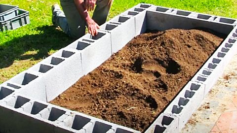 How To Make a Cinder Block Raised Garden Bed | DIY Joy Projects and Crafts Ideas