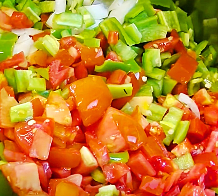 Use Fresh Tomatoes To make Rotel - Copycat Canned Rotel - Relish Ideas