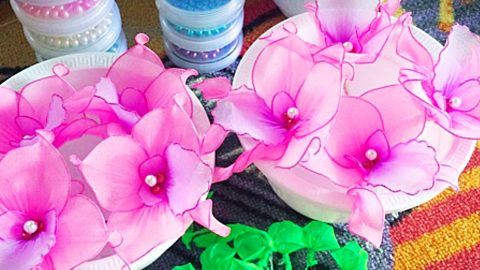 How To Make Stocking Flowers   DIY Joy Projects and Crafts Ideas
