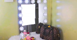 How To Make A Dollar Tree Lighted Hollywood Vanity Mirror