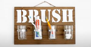 DIY Mason Jar Wall Decor Bathroom Organizer
