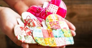 DIY Patchwork Heart Prayer Quilt With Free Pattern