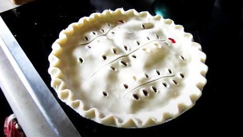 Grandma's Perfect Pie Crust | DIY Joy Projects and Crafts Ideas