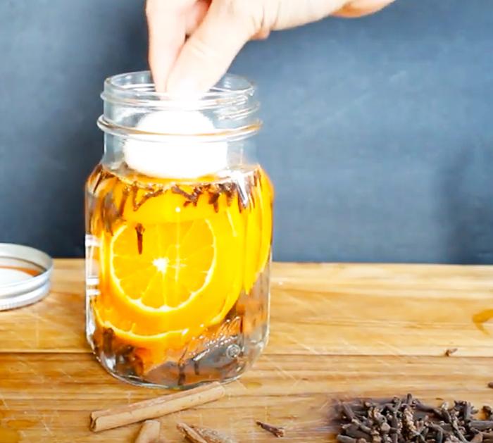 Fall Scented Candles - Mason Jar Craft Ideas