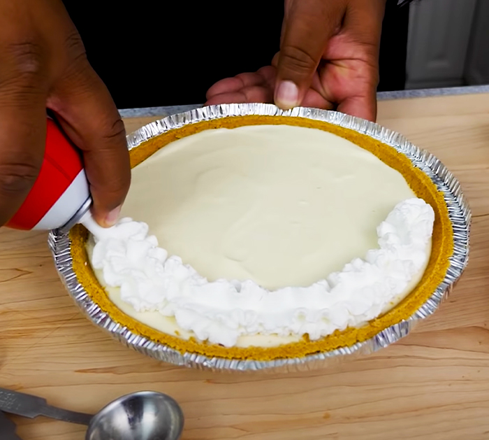 How To Make Strawberry Cream Cheese Pie - No-Bake Pie Recipe