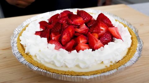Strawberry Cream Cheese Pie Recipe | DIY Joy Projects and Crafts Ideas