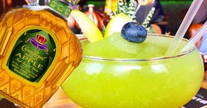 How To Make A Crown Royal Apple Colada