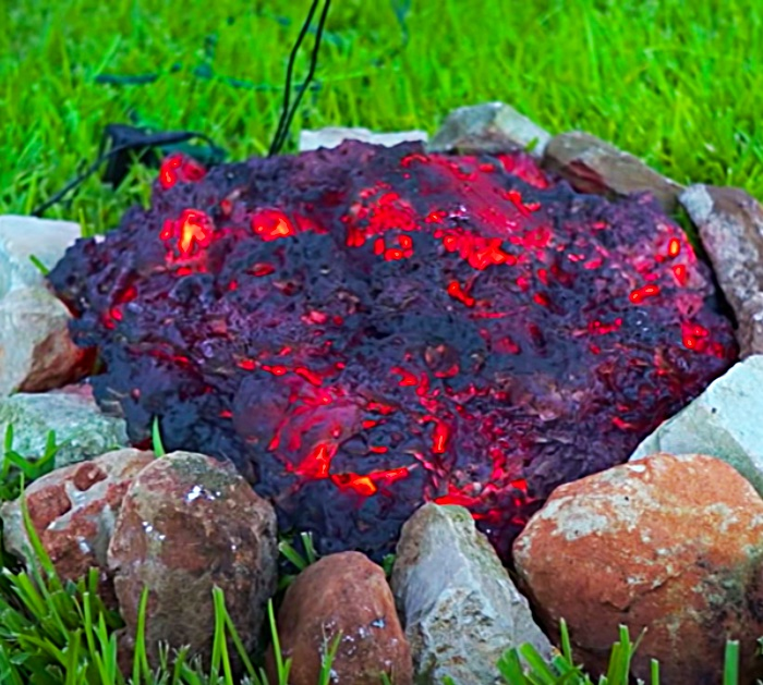 How To Make a Faux Fire For A Yard Prop - Halloween Ideas - Haunted House Decor