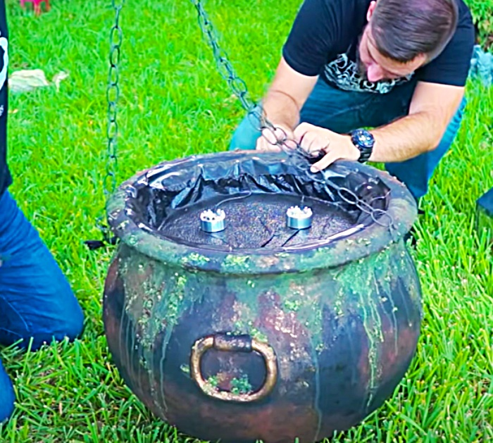 How To Build A Cauldron Yard Prop - How To Make Fake Mist - Halloween Decor For Outdoors